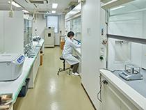 Waste Sample Pretreatment Room(Photo)
